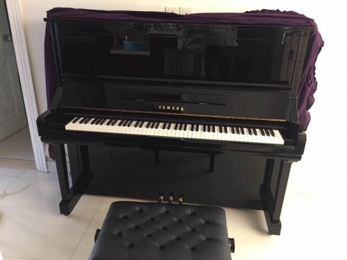 YAMAHA YU3 鋼琴