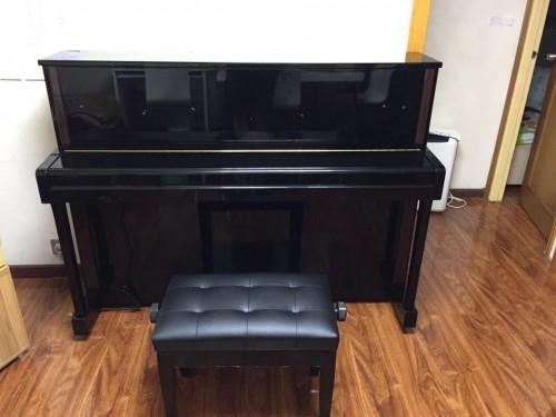 YAMAHA LX-113T鋼琴